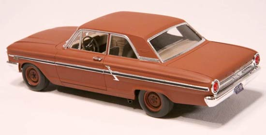 Ford-Fairlane-model-car